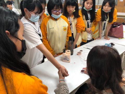 20201030樹林國中~美容科特殊妝_201224_5.jpg