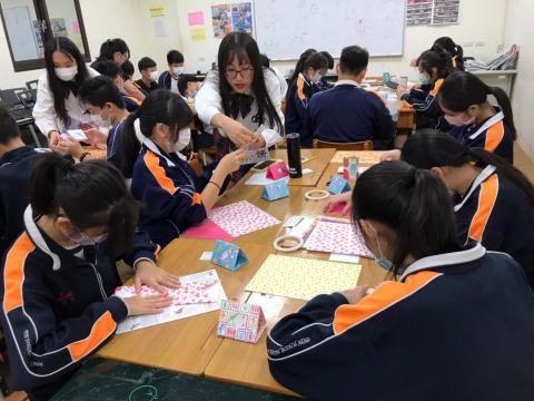 20201030義學國中來校幼保科手做DIY_201224_4.jpg