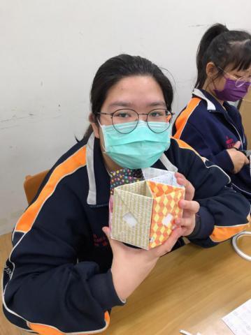 20201030義學國中來校幼保科手做DIY_201224_8.jpg