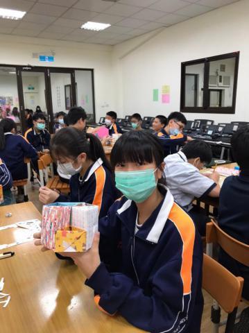 20201030義學國中來校幼保科手做DIY_201224_15.jpg