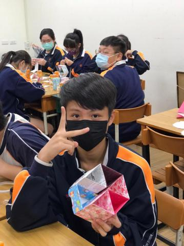 20201030義學國中來校幼保科手做DIY_201224_16.jpg