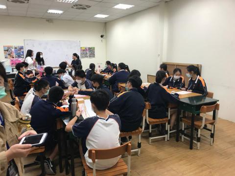 20201030義學國中來校幼保科手做DIY_201224_24.jpg