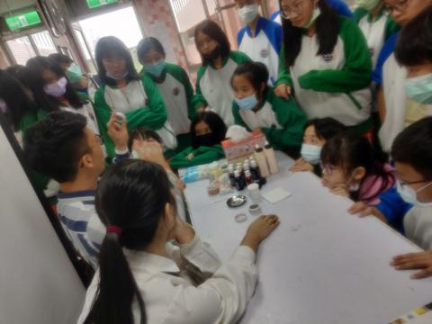20111113海山國中819美容美髮 彩妝_201207_31.jpg