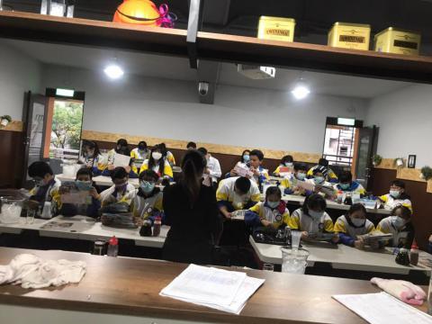 109.12.02 溪崑國中體驗飲料調製_201222_0.jpg