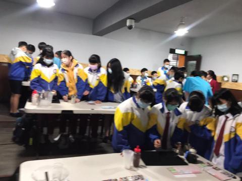 109.12.02 溪崑國中體驗飲料調製_201222_19.jpg