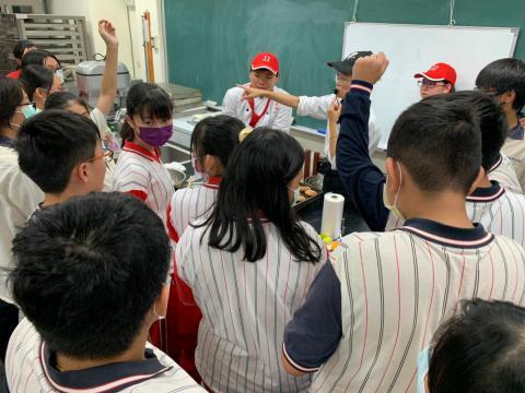 20201202忠孝國中職業試探_201229_1.jpg