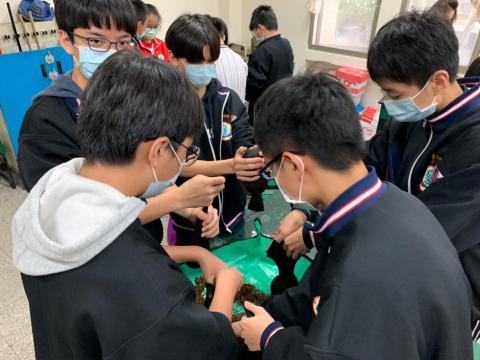 20201202忠孝國中職業試探_201229_4.jpg