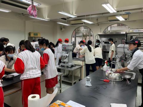 20201202忠孝國中職業試探_201229_13.jpg