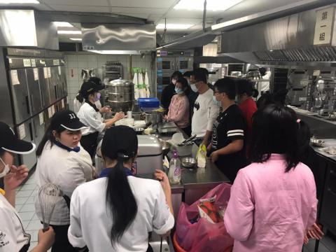 0130餐飲科-寒令親子營_210203_14.jpg