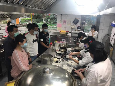 0130餐飲科-寒令親子營_210203_21.jpg