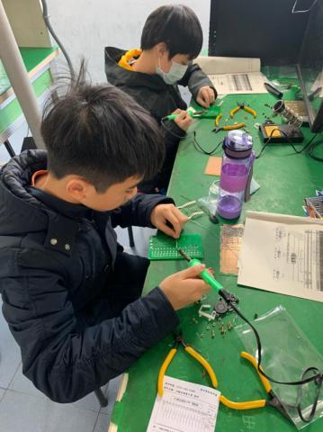 20210204-動手DIY,一起玩電路,育樂營。_210204_16.jpg