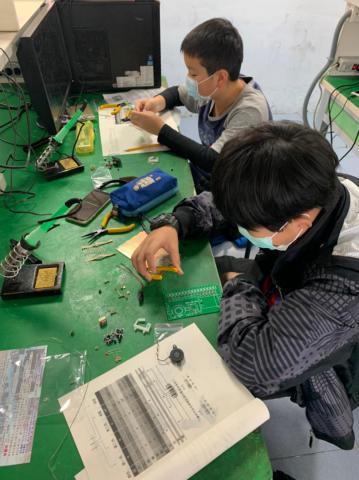 20210204-動手DIY,一起玩電路,育樂營。_210204_17.jpg