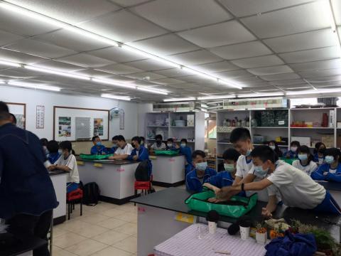 1120 清水高中 805 DIY種子盆栽_201202_4.jpg