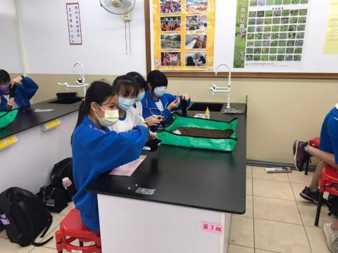 1120 清水高中 805 DIY種子盆栽_201202_6.jpg