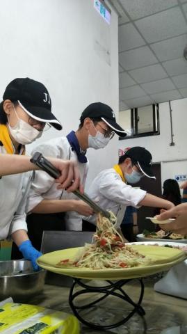 實踐國中餐會_210218_2.jpg