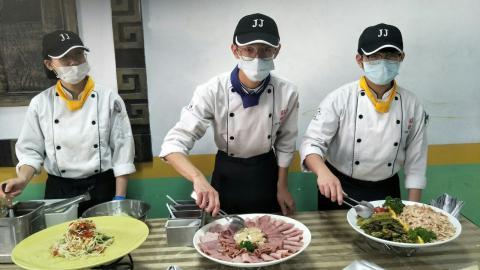 實踐國中餐會_210218_10.jpg