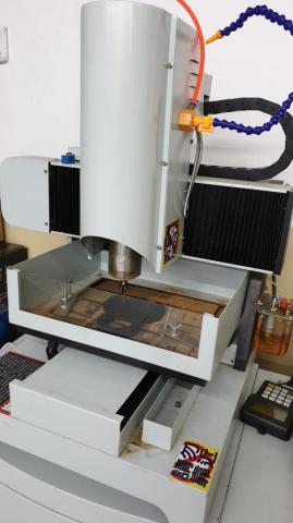 CNC雕刻機-02.jpg