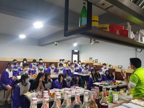 20210315板橋國中餐旅群_210316_10.jpg