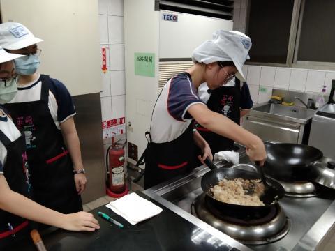 416義學國中 香菇油飯 味曽湯_210421_5.jpg