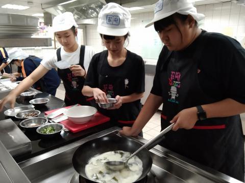 416義學國中 香菇油飯 味曽湯_210421_6.jpg